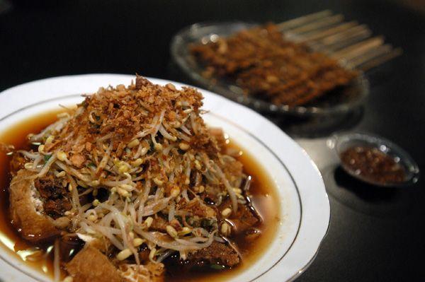 lontong balap makanan khas surabaya